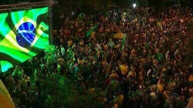 Jair Bolsonaro é eleito novo presidente do Brasil. Veja como foram as comemorações no RS - Eleitores foram às ruas festejar o resultado das eleições a presidência.
