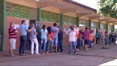 Em Ponta Porã, quase 50 mil eleitores foram às urnas neste domingo - Do outro lado da fronteira, brasileiros que vivem no Paraguai também votaram.
