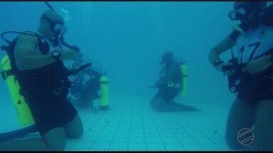 Bombeiros fazem curso de mergulho - Bombeiros fazem curso de mergulho.