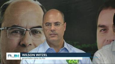 Apoiadores comemoram vitória de Wilson Witzel para o governo do Rio de Janeiro - Assista a seguir.