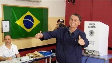 Paulista do interior, Bolsonaro começou na política como vereador no Rio - Aos 15 anos, veio o interesse pela carreira militar nas conversas com soldados do Exército que procuravam na região de sua cidade o líder esquerdista Carlos Lamarca.