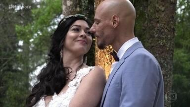 Ana Maria surpreende a família de Daniela e Daniel com imagens do casamento deles - O casal fez uma celebração a dois e decidiu preparar a surpresa para contar tudo para a família