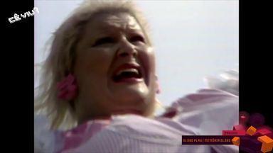 Cecília fala sobre os efeitos especiais da explosão da 'Dona Redonda' em Saramandaia - Tema do programa é halloween.