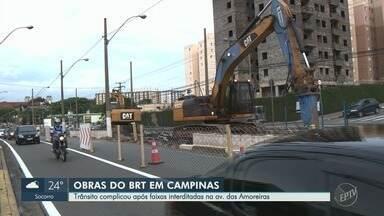 Obras do Corredor BRT Ouro Verde alteram tráfego na Avenida das Amoreiras em Campinas - Trabalhos começam a ser realizados nesta quarta-feira (31). Confira as rotas alternativas para evitar o trecho.