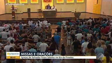 Dia de Finados é celebrado com missas e orações em Salvador - O Dia de Finados foi comemorado na sexta-feira (2).