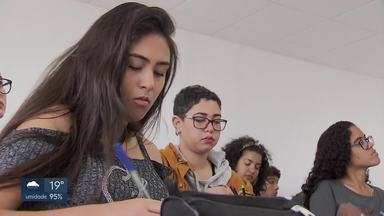 Véspera do Enem: estudantes na reta final - Alunos de Taguatinga aproveitaram o dia para revisar as matérias e tirar as últimas dúvidas.