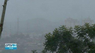 Chuva por dois dias consecutivos derruba temperatura em Ribeirão Preto - Termômetros marcaram 21ºC nesta sexta-feira (9) e ribeirão-pretanos tiraram os casacos dos armários em plena Primavera.