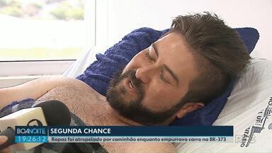 Homem sobrevive depois de ser prensado entre carro e caminhão em Ponta Grossa - O rapaz de 25 anos conversou com a nossa equipe.
