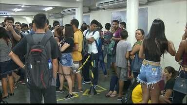JPB2JP: Longas filas no penúltimo dia do cadastramento da biometria facial dos estudantes - Quem perder não vai poder fazer recarga.