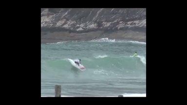 Monik Santos, talento do surfe pernambucano - Monik Santos, talento do surfe pernambucano