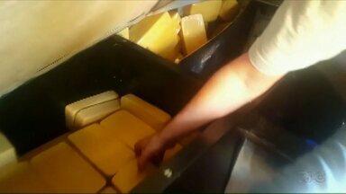 Denarc apreende 211 quilos de crack em Cascavel - A droga estava escondida na cabine de uma carreta.