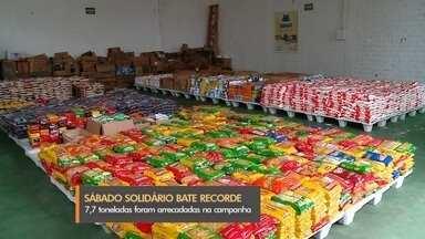 Sábado Solidário arrecada 7,7 toneladas de alimentos em Rio Grande - Doação foi a maior entre todos os eventos realizados na cidade. Alimentos reforçam a campanha Natal do Bem.