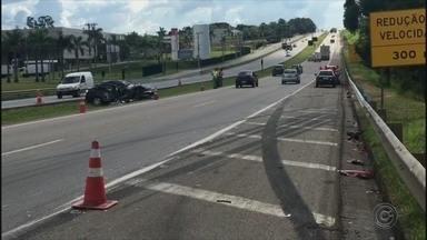 Mulher morre em acidente na Rodovia Dom Gabriel Paulino Bueno em Jundiaí - Uma mulher morreu em um acidente na Rodovia Dom Gabriel Paulino Bueno, em Jundiaí (SP), na tarde desta segunda-feira (12).