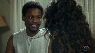 Paulina se encontra com Cecílio - Cecílio diz ter muita mágoa de Dom Sabino e Paulina promete ajudá-lo no que precisar.
