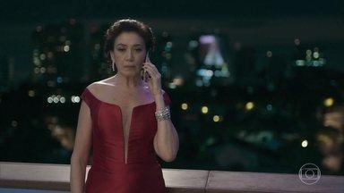Valentina repreende Gabriel por se atrasar para o próprio casamento - A empresária também briga com Louise e reclama do atraso da assistente
