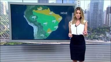 Faz calor em todo país e pode chover em quase todas as regiões - Tem previsão de chuva forte em Mato Grosso e no Rio Grande do Sul. A combinação do calor e da umidade pode resultar em chuva no Norte, em todo o Centro-Oeste, em parte do Sul e do Sudeste. Tempo firme em quase todo o estado de São Paulo e no Rio.