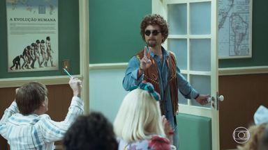 Episódio 2 - Patropi, um aluno novo, chega à classe. Seu Boneco mostra os brinquedos que está vendendo. Batista planeja um novo desenho animado. Zé Bonitinho conta sobre a sua versão robótica.