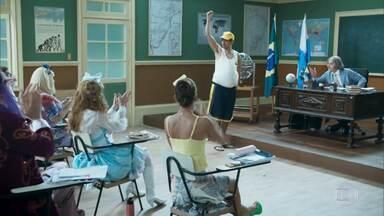 Episódio 3 - Um novo aluno bate à porta da sala: Eustáquio. Ptolomeu faz uma performance na sala de aula. Catifunda revela que já viu um disco voador. Baltazar da Rocha conta que mudou de casa.