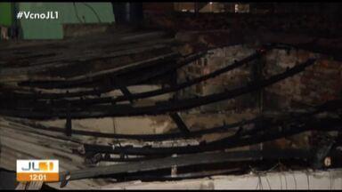 Vela acesa teria causado incêndio em duas casas no bairro do Telégrafo, em Belém - Ninguém ficou ferido