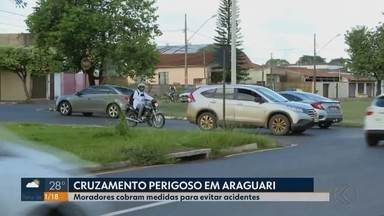 Motoristas de Araguari pedem medidas de segurança em cruzamento de avenida - Moradores falam que o problema é na Avenida Coronel Belchior de Godoy, esquina com a Rua 19 de Outubro. Secretaria de Trânsito informou que vão ser tomadas medidas paliativas no local.