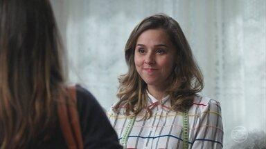 Lenita pede ajuda a Josi para mudar o visual - Josi aceita o desafio e Lenita se anima