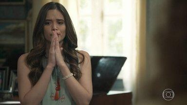 Miss Celine diz à Marocas que seu pai está preso - A congelada conta às suas irmãs sobre prisão de Dom Sabino