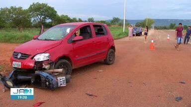 Mulher tem perna esmagada após acidente em cruzamento de Palmas - Mulher tem perna esmagada após acidente em cruzamento de Palmas