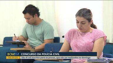Muita gente aproveitou o feriado da proclamação da República para estudar - 41 mil pessoas devem fazer as provas do concurso para escrivão da Polícia Civil neste fim de semana.