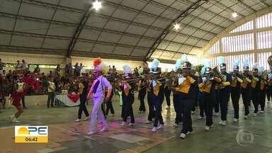 Concurso de Bandas de Pernambuco reúne grupos de 20 cidades de PE; confira os ganhadores - Os jurados avaliaram desempenho dos músicos, da baliza, do maestro e do conjunto da banda.