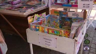 Vendas na Feira do Livro de Porto Alegre crescem 9% nos primeiros 10 dias de evento - Segundo a organização, já foram vendidos cerca de 11 mil exemplares a mais do que no ano passado.