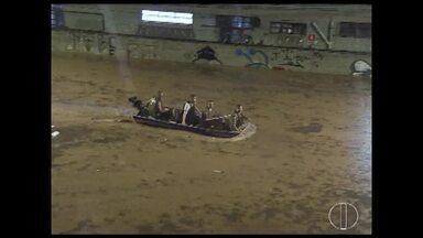 Duas pessoas morrem vítimas da chuva em Belo Horizonte - Temporal causou alagamentos em vários pontos.