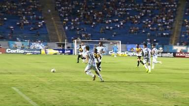 Confira como está a venda de ingressos para jogos do Tubarão e do Palmeiras - Dois jogos no estádio do Café estão movimentando as bilheterias neste feriadão.