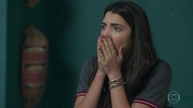 Pérola acredita que Márcio e Valéria estão juntos - Ela vê Valéria na casa dele e fica desesperada
