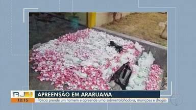 Polícia prende um homem e apreende armas, munições e drogas em Araruama, no RJ - Assista a seguir.
