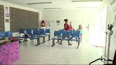 Secretaria de Saúde explica situação dos postos após saída dos médicos cubanos - De acordo com Amupe, a saída desses profissionais pode impactar o tratamento de mais de um milhão e seiscentas mil pessoas, especialmente no Sertão do estado.