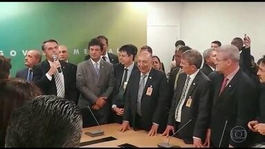 Deputado Luiz Henrique Mandetta (DEM-MS) será o ministro da Saúde do próximo governo - Nome foi confirmado pelo presidente eleito. Bolsonaro também decidiu manter Wagner Rosário como ministro da Controladoria-Geral da União.