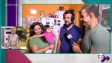'Delivery Mais Você' está em Itaquera, Zona Leste de São Paulo - Ana mostra casal que não conseguiu preparar o Pudim de Pé de Doce de Leite com Amendoim e promete ensinar passo a passo da receita junto com eles