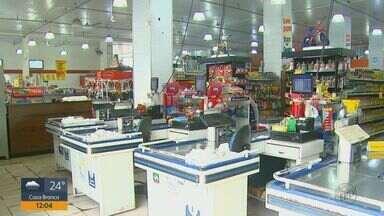 Supermercados de São Carlos devem contratar menos temporários neste fim de ano - Estimativa da associação que representa o setor é que o número de vagas seja o menor desde 2010.