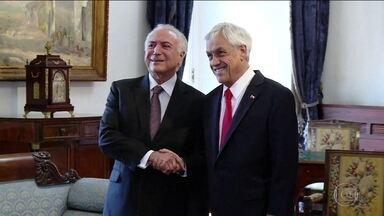 Brasil e Chile assinam acordo de livre comércio - Em entrevista, Temer diz que está examinando se vai sancionar ou não o reajuste de 16% para o Judiciário