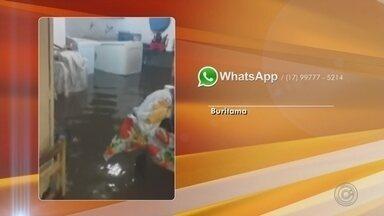 Chuva forte alaga bairro e causa estragos em Buritama - Uma chuva forte atingiu Buritama (SP) na noite deste sábado (24) e causou alagamento, principalmente no bairro Buritis. Segundo os bombeiros, ninguém ficou ferido.