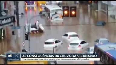 Temporal deixa três mortos em São Bernado do Campo - A forte chuva também trouxe prejuízos para os comerciantes.
