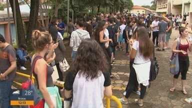 Abstenção da Fuvest foi a menor dos últimos 8 anos - Mais de 3 mil candidatos compareceram na prova em São Carlos. Na cidade, são mil vagas disponíveis na USP.