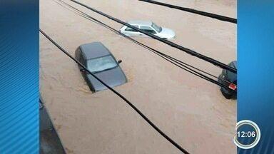 Chuva do fim de semana causou transtornos na região - Em São Sebastião a cobertura de uma quadra foi arrancada com a força do vento.