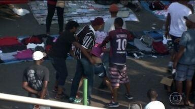 Bandidos agem com violência ao assaltar pedestres no Brás (SP) - Perigo para quem leva dinheiro para fazer compras no Brás, um dos centros comerciais mais importantes de São Paulo. Os bandidos estão agindo com muita violência. O policiamento foi reforçado na região.