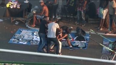 Bandidos roubam, furtam e agridem pedestres na região do Brás, em São Paulo - Roubos, furtos e agressões aumentam nesta época do ano na região do Brás, no centro de São Paulo. E os bandidos não escondem a ação. Veja os flagrantes.