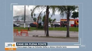Carro pega fogo e complica trânsito na Ponte Colombo Salles em Florianópolis - Carro pega fogo e complica trânsito na Ponte Colombo Salles em Florianópolis