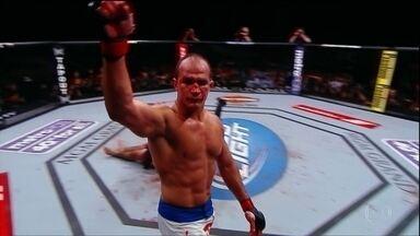 Veja os preparativos do Júnior Cigano para a luta de hoje no UFC Austrália - Veja os preparativos do Júnior Cigano para a luta de hoje no UFC Austrália