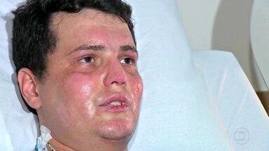 Piloto que sobreviveu 4 dias na mata após queda de avião conta: 'Achei que ia morrer ali' - Ele ficou perdido em plena Floresta Amazônica, no Mato Grosso, com queimaduras graves e sem comer nada.