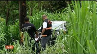 Vereadora é encontrada morta dentro do carro em Bom Jesus de Goiás - Segundo a polícia, ela foi assassinada por três homens. Os bandidos foram presos e confessaram o crime e disseram que receberam um encomenda pra roubar um carro igual ao da vítima.