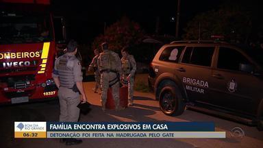 Família encontra explosivos em casa, em Porto Alegre - Detonação foi feita na madrugada pelo Gate.